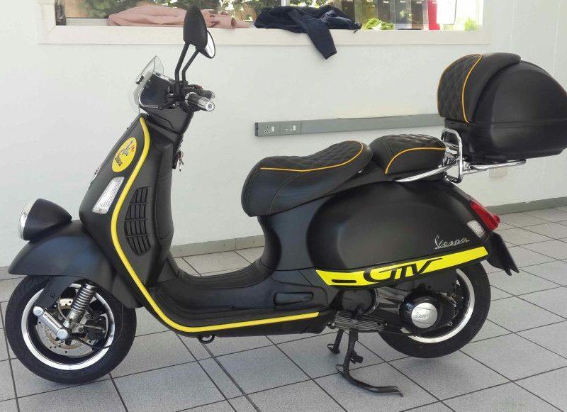 Vespa-Scooter-Custom-Branding-05